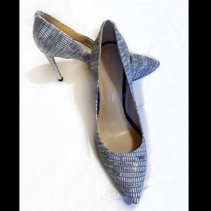 Banana Republic Leather Gray and White Heels 8